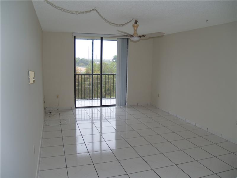 Rental Homes for Rent, ListingId:37085715, location: 16950 WEST DIXIE HIGHWAY North Miami Beach 33160