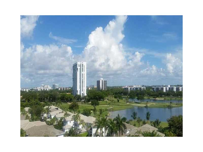 19900 E Country Club Dr # 902, Miami, FL 33180