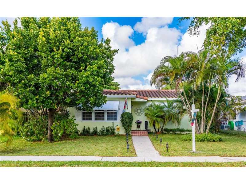 2407 Coolidge St, Hollywood, FL 33020