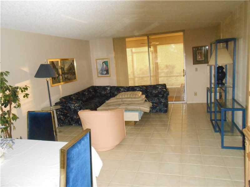 9681 Sunrise Lakes Blvd # 105, Fort Lauderdale, FL 33322