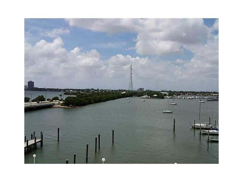 Rental Homes for Rent, ListingId:37169462, location: 7904 WEST DR North Bay Village 33141