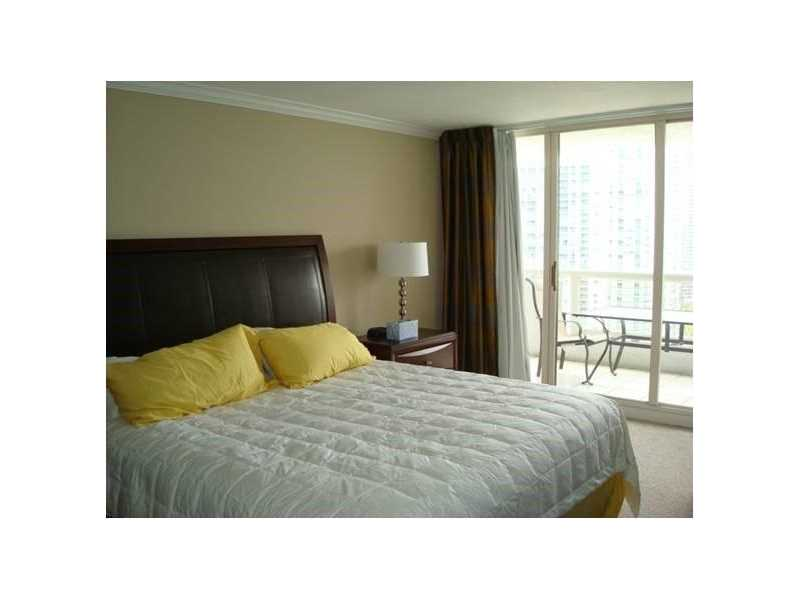 Rental Homes for Rent, ListingId:37176006, location: 1717 North Bayshore Dr Miami 33132
