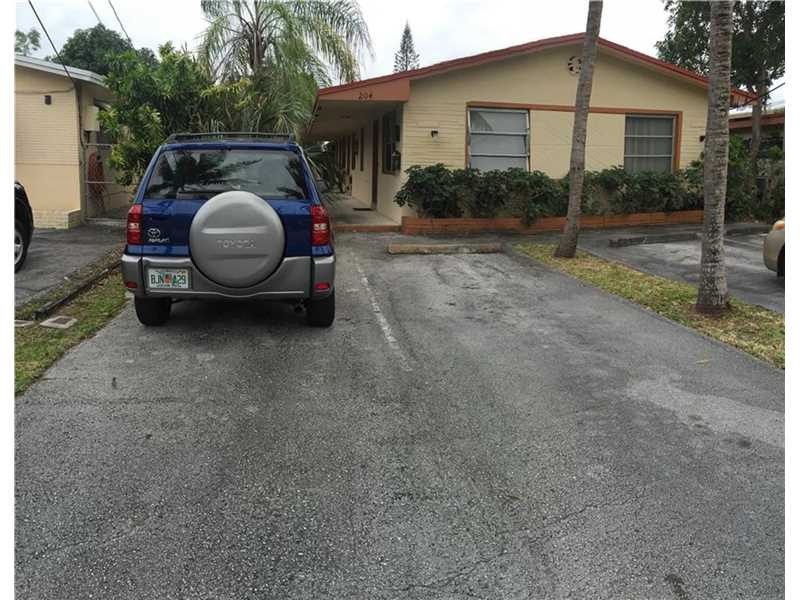 Rental Homes for Rent, ListingId:37205348, location: 204 Southeast 9th St Hallandale 33009