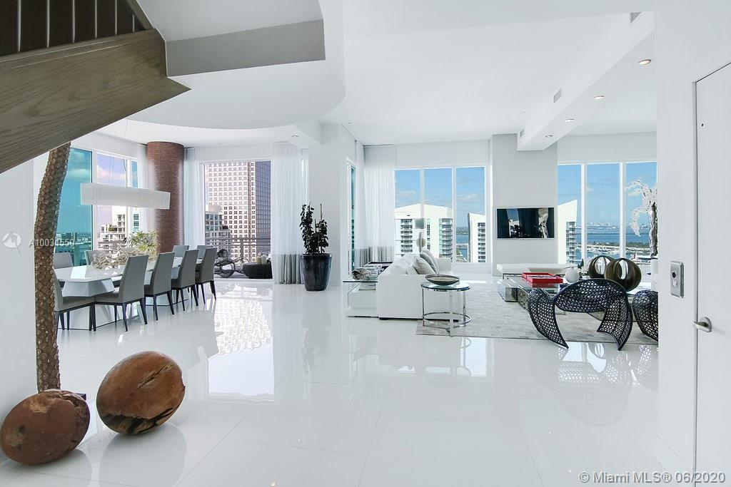 900 Brickell Key Blvd Miami, FL 33131
