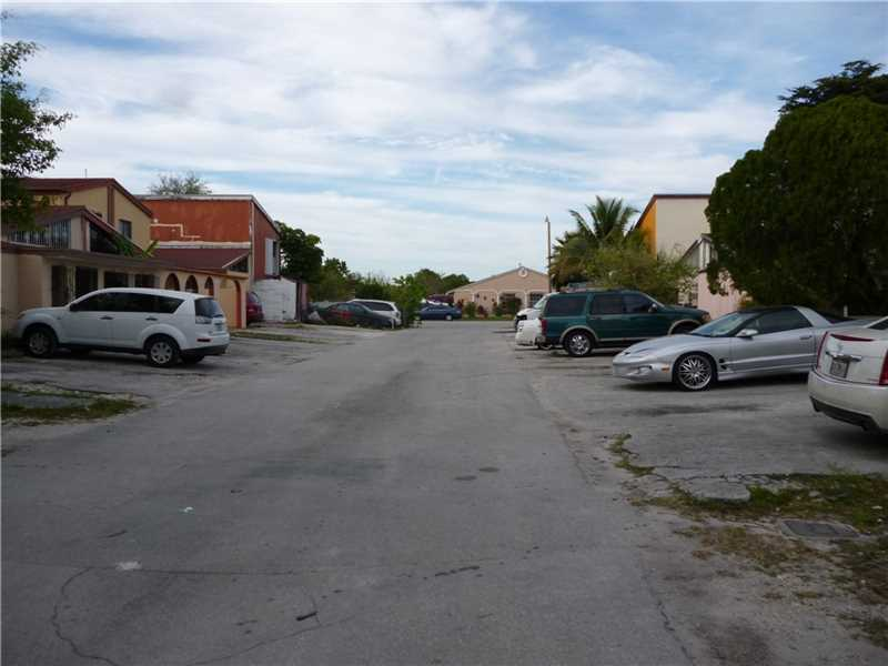 Photo of 4510 Northwest 185th St  Miami Gardens  FL