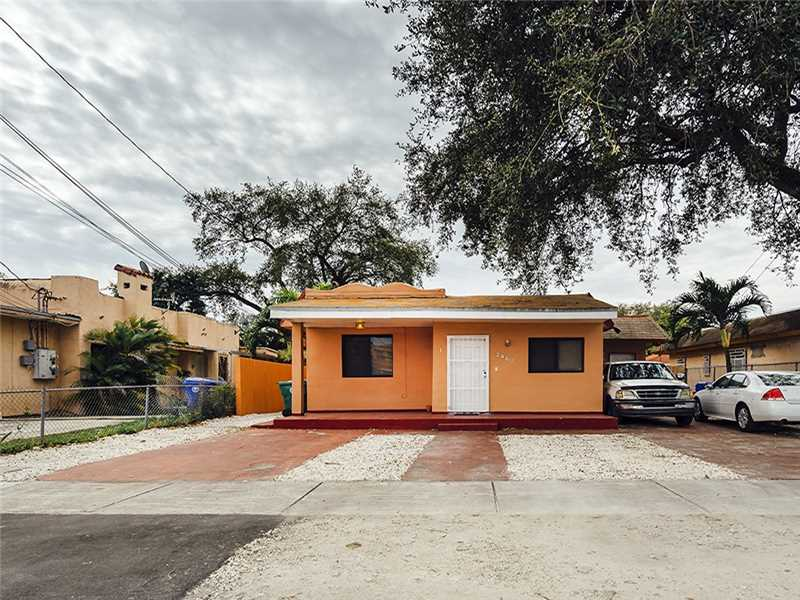 2460 Nw 15th St, Miami, FL 33125