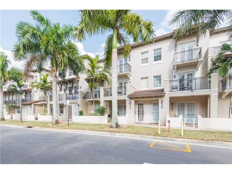 459 SW 147th Ave, Pembroke Pines, FL 33027