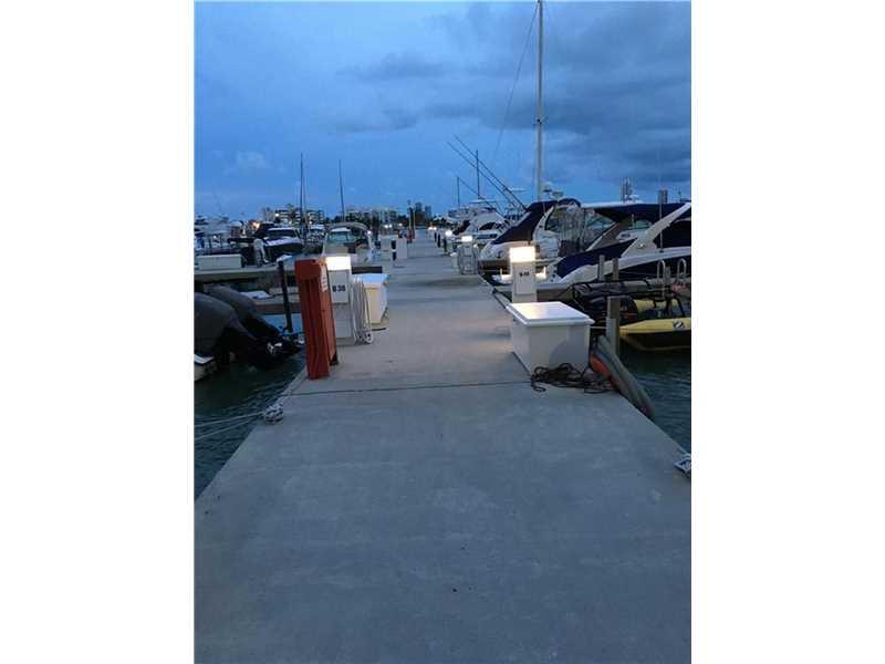 7601 E Treasure Dr/dock # B82, North Bay Village, FL 33141