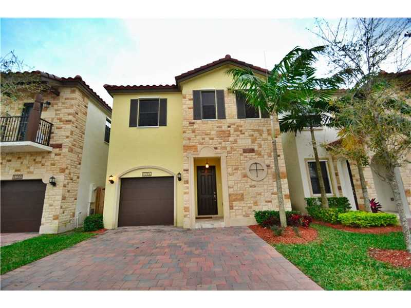 10306 Nw 70th Ter, Doral, FL 33178
