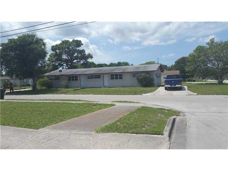 1409 N 19th St, Fort Pierce, FL 34950