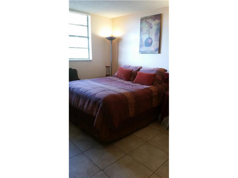 Photo of 1001  Colony Point  Pembroke Pines  FL