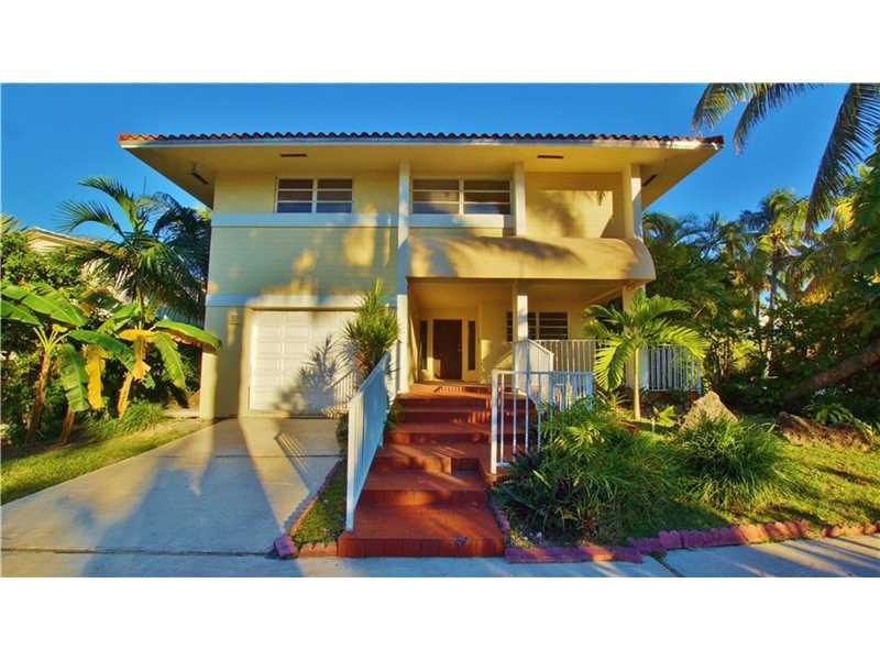 601 Golden Beach Dr, Golden Beach, FL 33160