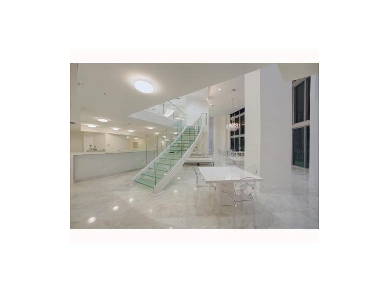 350 S Miami Ave # 1213, Miami, FL 33130