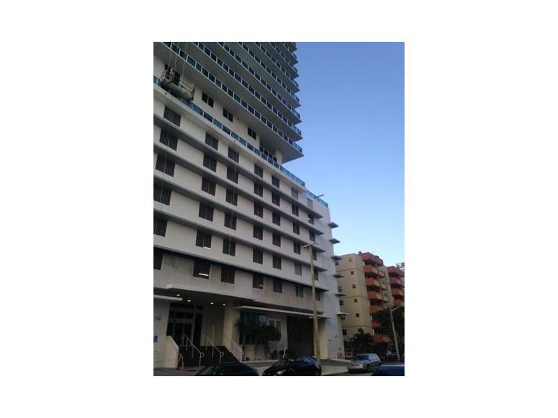 Photo of 700 Northeast 25th St  Miami  FL