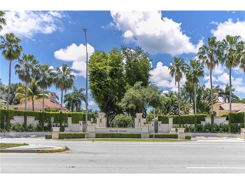 7350 Sw 80th Ct, Miami, FL 33143