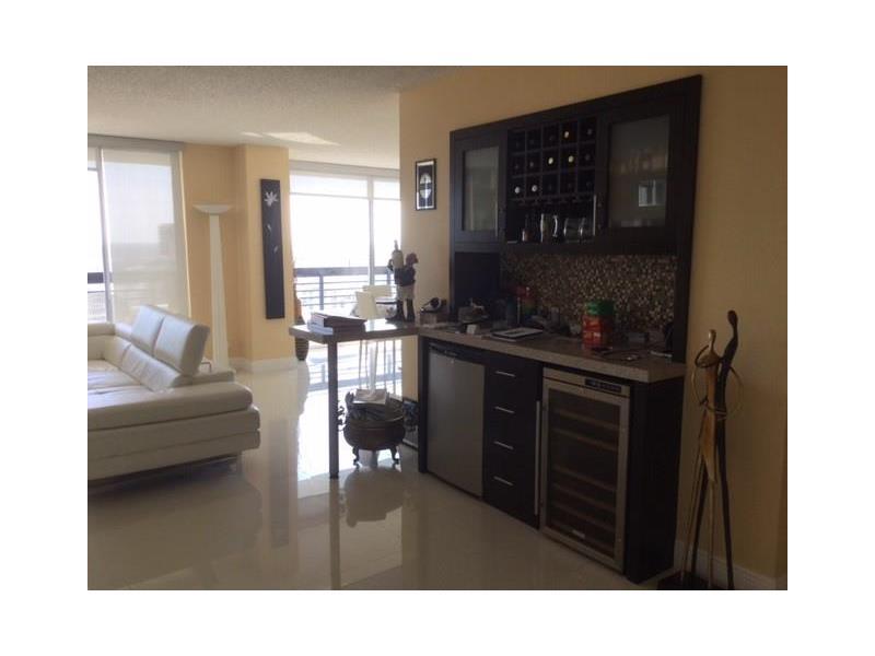 3500 Mystic Pointe Dr # 3903, Aventura, FL 33180