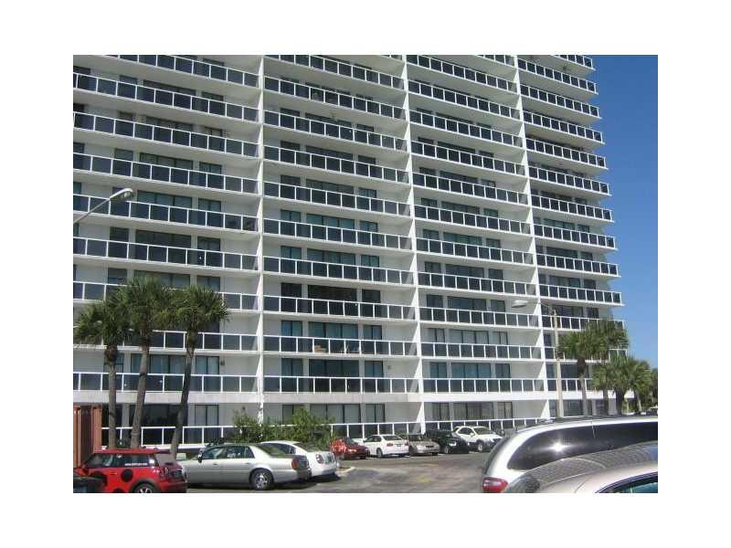 20505 E Country Club Dr # 138, Aventura, FL 33180