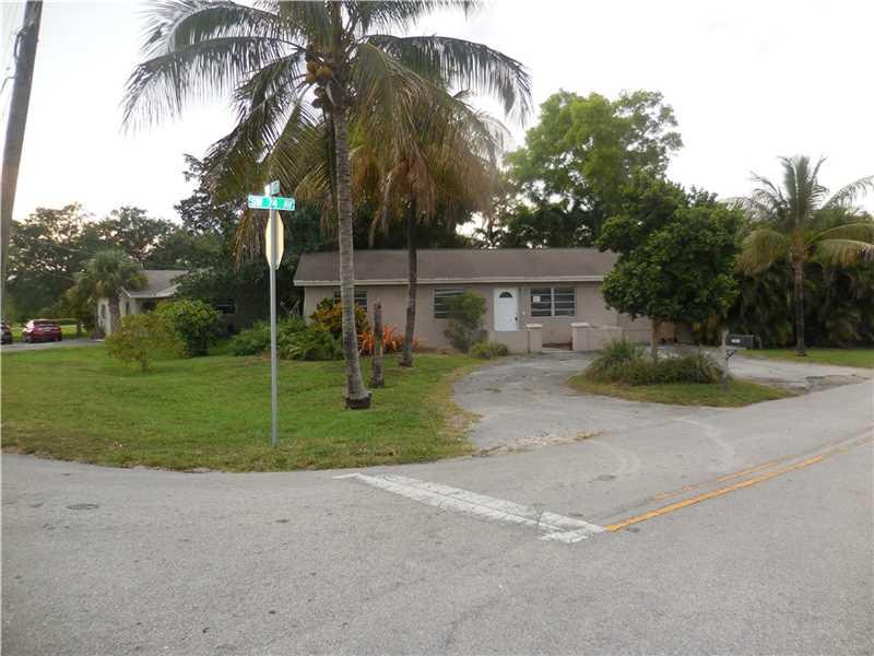 7401 Orange Dr, Davie, FL 33314