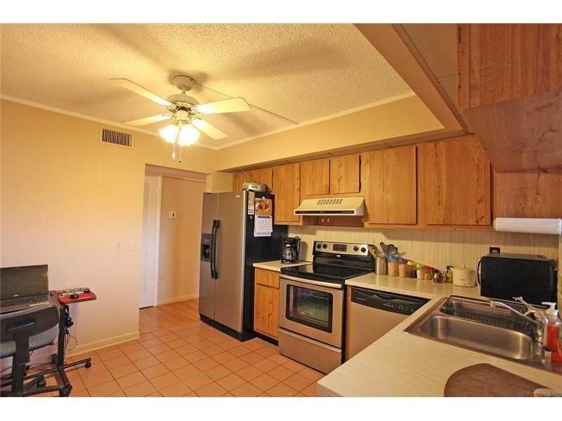 106 Lake Emerald Dr # 403, Oakland Park, FL 33309