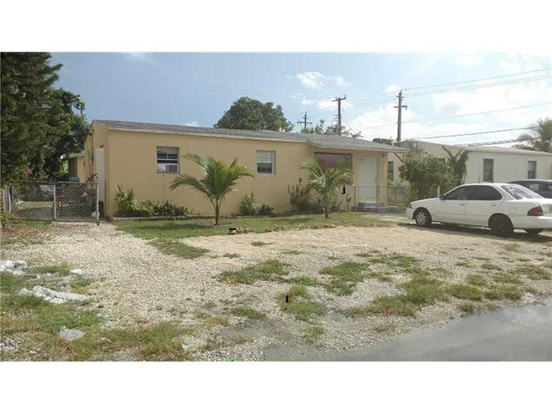 2130 Plunkett Ct, Hollywood, FL 33020