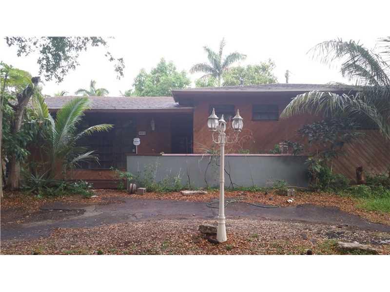 14905 S Spur Dr, Miami, FL 33161