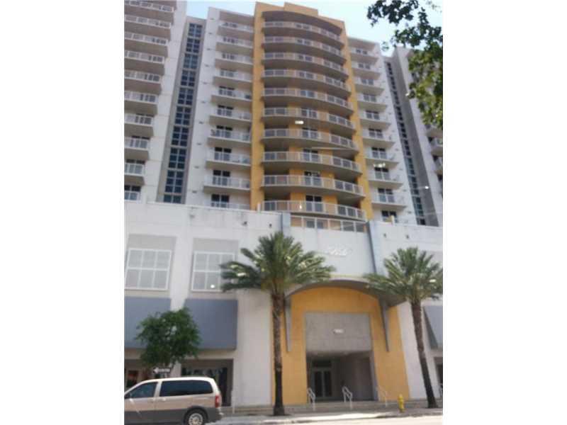 900 SW 8th St, Miami, FL 33130