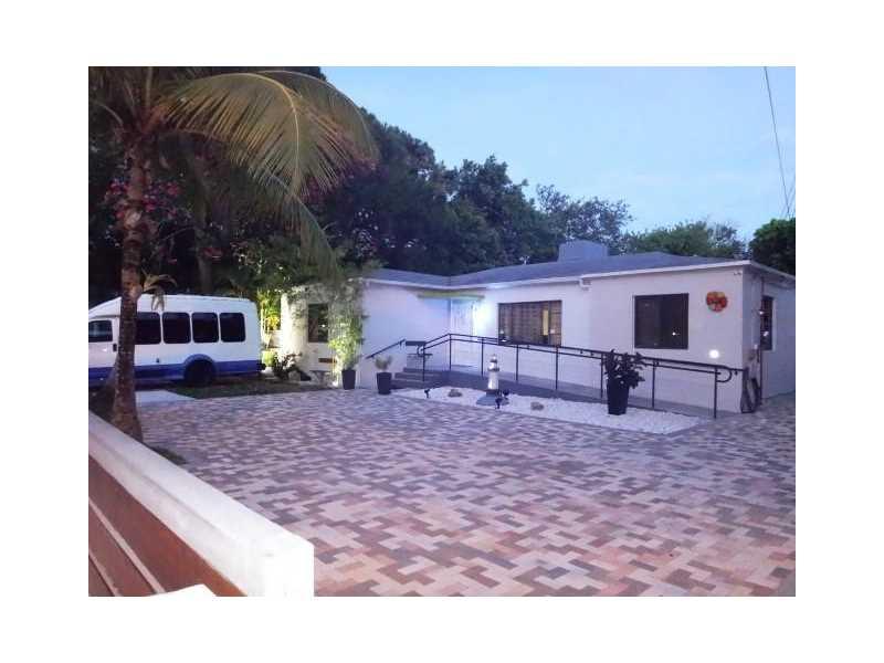 3705 SW 1st Ave, Miami, FL 33145