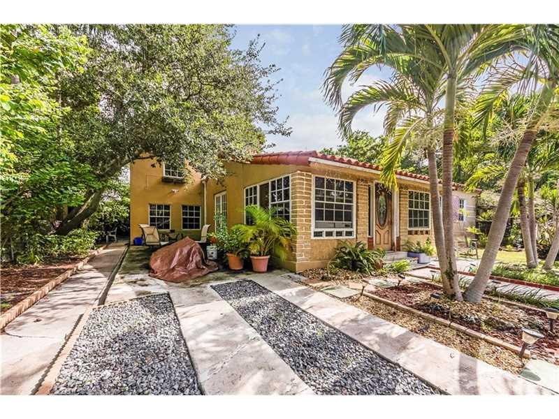 2501 Tequesta Ln, Coconut Grove, FL 33133