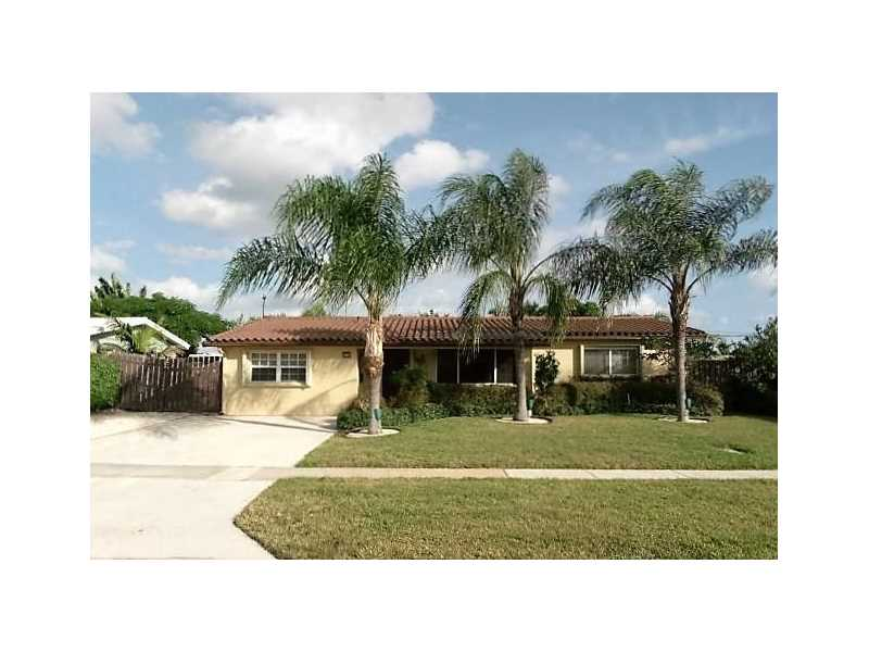 401 SE 3rd Ct, Deerfield Beach, FL 33441