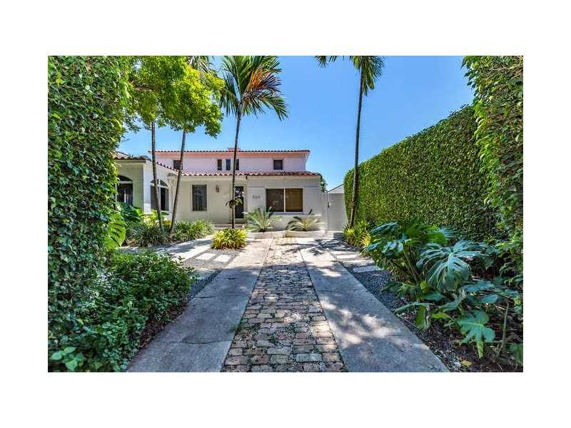 560 W 49th St, Miami Beach, FL 33140