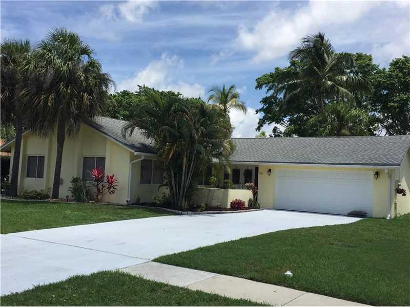 69 Vista Del Rio, Boynton Beach, FL 33426