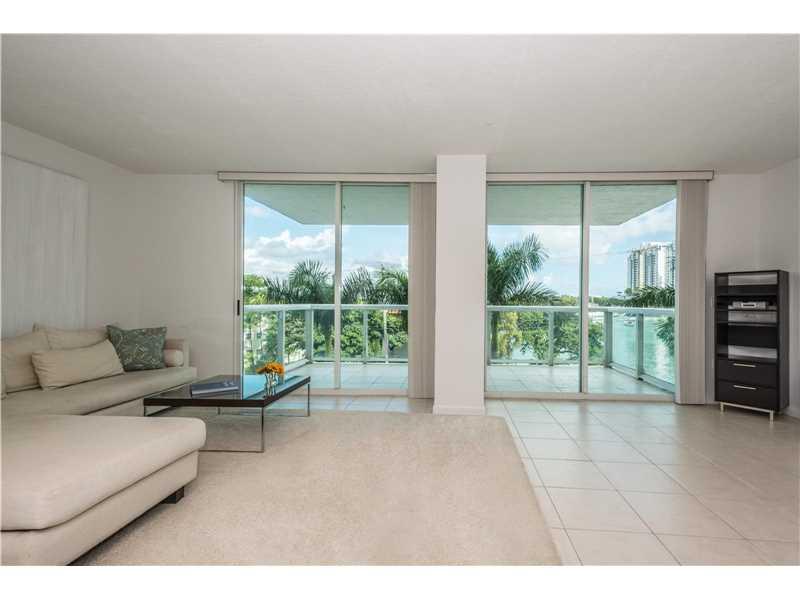 10 Venetian Way # 402, Miami Beach, FL 33139