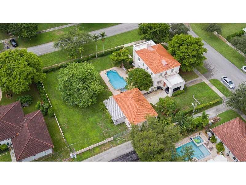 10007 Ne 4th Ave, Miami Shores, FL 33138