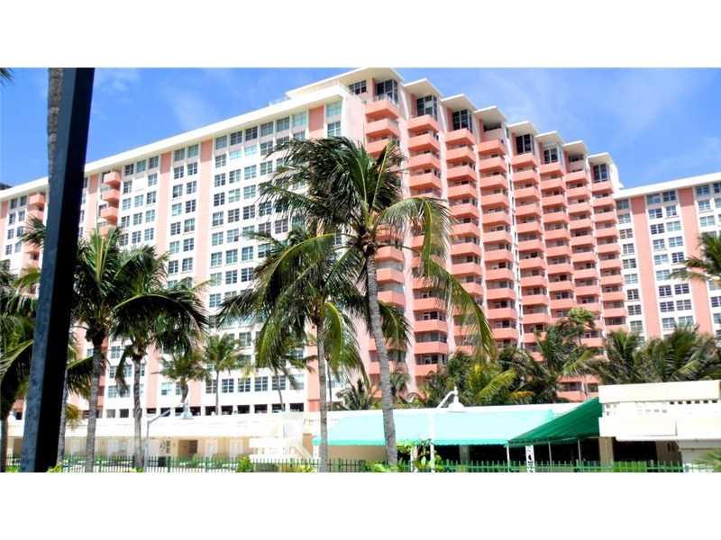 Photo of 2899  Collins Ave  Miami Beach  FL