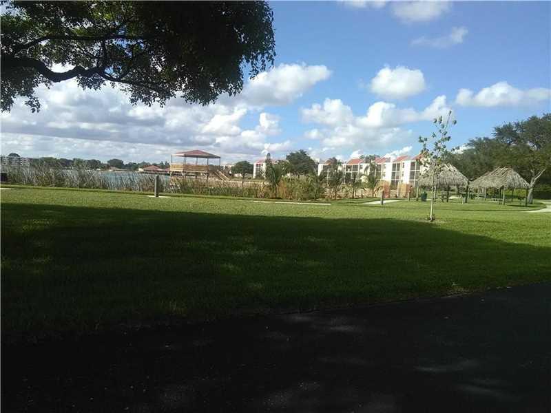 109 Lake Emerald Dr # 108, Oakland Park, FL 33309
