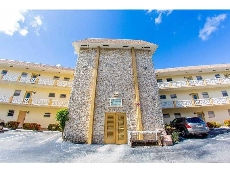 5111 W Oakland Park Blvd # 303, Lauderdale Lakes, FL 33313