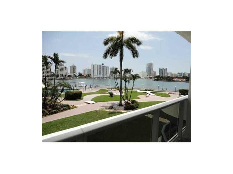 900 Bay Dr # 208, Miami Beach, FL 33141