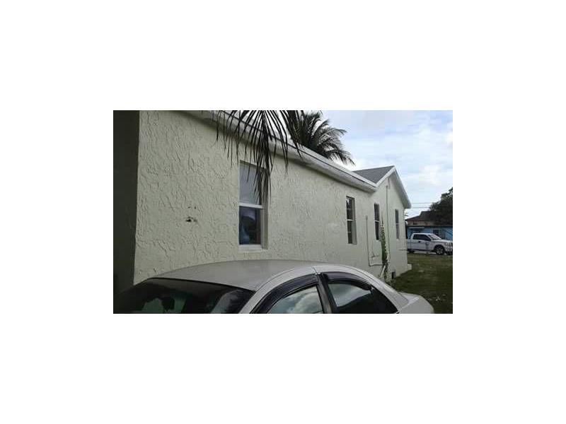 3061 NW 55th St, Miami, FL 33142