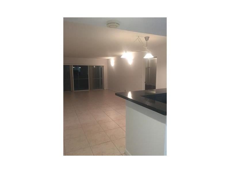 Photo of 140  Lakeview Dr  Weston  FL