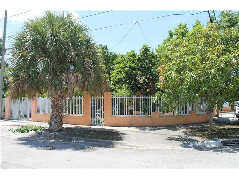 1092 Nw 25th St, Miami, FL 33127