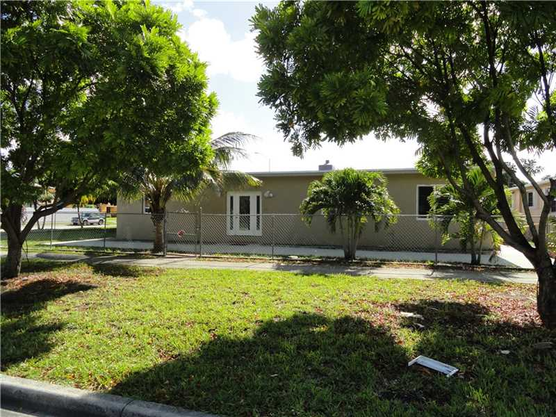 3010 W 2nd Ave, Hialeah, FL 33012