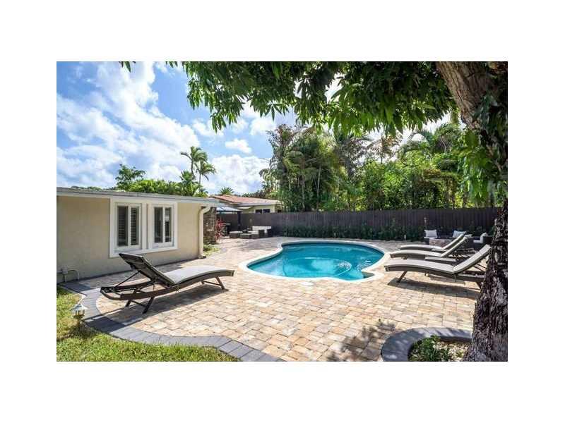 1245 NE 17th way, Fort Lauderdale, FL 33304