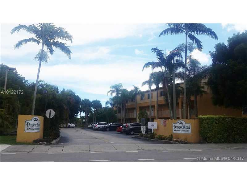 Photo of 6215 Southwest Kendale Lakes Cir  Miami  FL