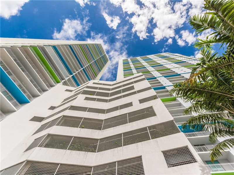 335 S Biscayne Blvd # 3705, Miami, FL 33131