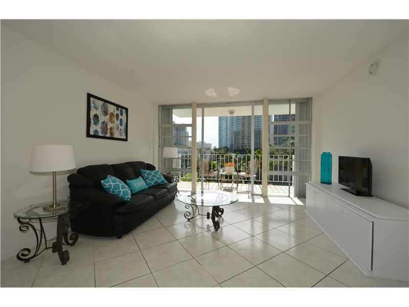 800 Se 4th St # 302, Fort Lauderdale, FL 33301