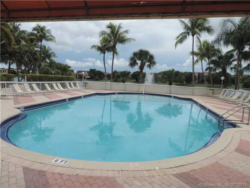 Photo of 9351  Fontainebleau Blvd  Miami  FL