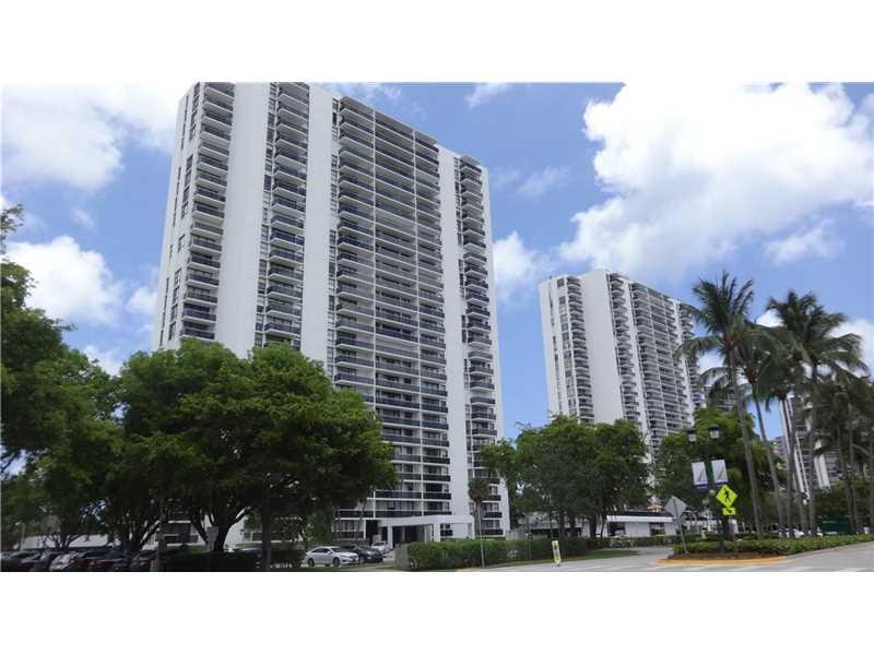 3625 N Country Club Dr # 401, Miami, FL 33180
