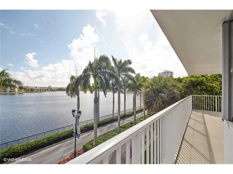 2851 South 183rd St 316E, North Miami Beach in Miami-Dade County County, FL 33160 Home for Sale