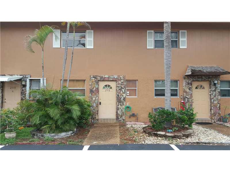 Photo of 450 Southeast 7th St  Dania Beach  FL