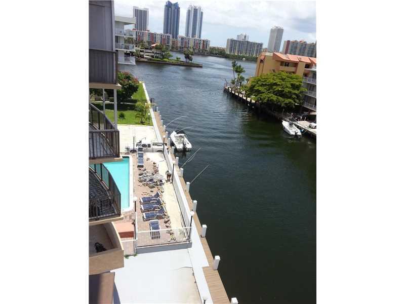 3948 NE 169th St, North Miami Beach, FL 33160